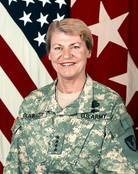 미합중국 최초의 여성 4성 장군 Ann E. Dunwoody.