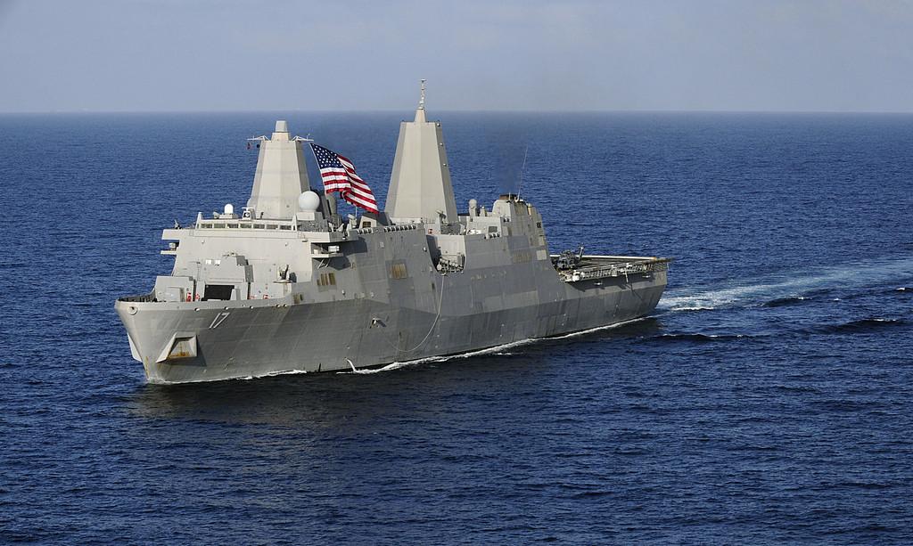 미 해군 LPD 상륙함의 생존성에 의문을 제기한 미..