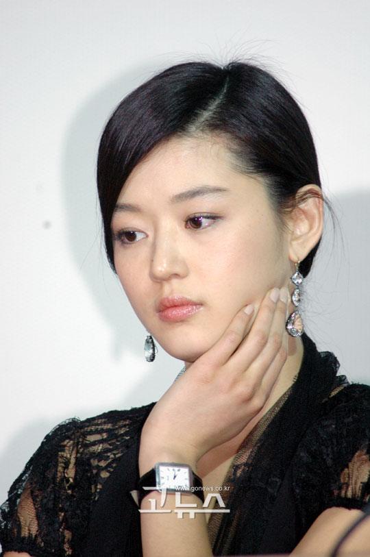 전지현이 최동훈 감독 영화에?