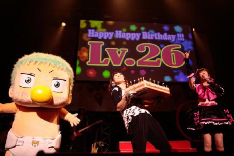 """나카가와 쇼코, 26세 생일 라이브로 """"부드러움과 .."""