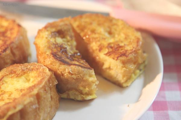 프렌치 토스트 또는 바게트