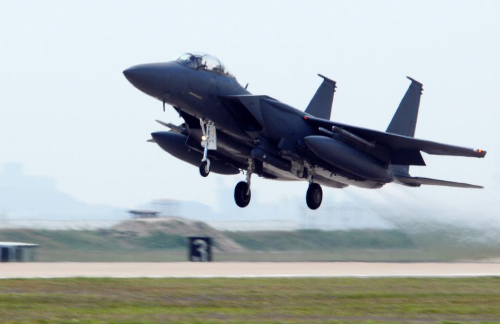 우리나라의 3차 FX 사업에 도전하는 전투기들