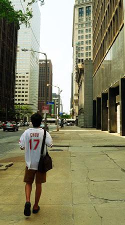 어제는 클리블랜드, 오늘은 밀워키, 내일은 시카고.
