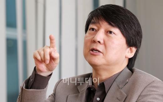 [안철수 인터뷰]새싹(벤처기업) 생겨도 밟혀..