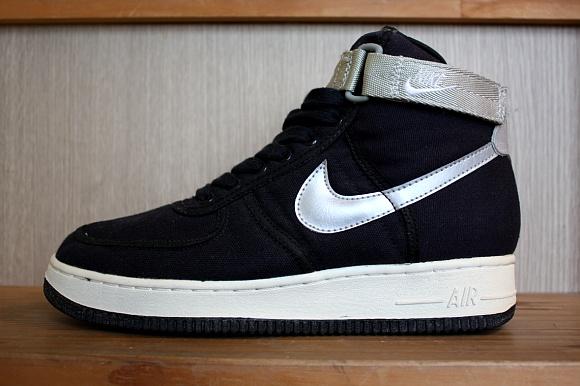 new styles fabc2 4b5a7 Nike Air Force 1 High Black Canvas
