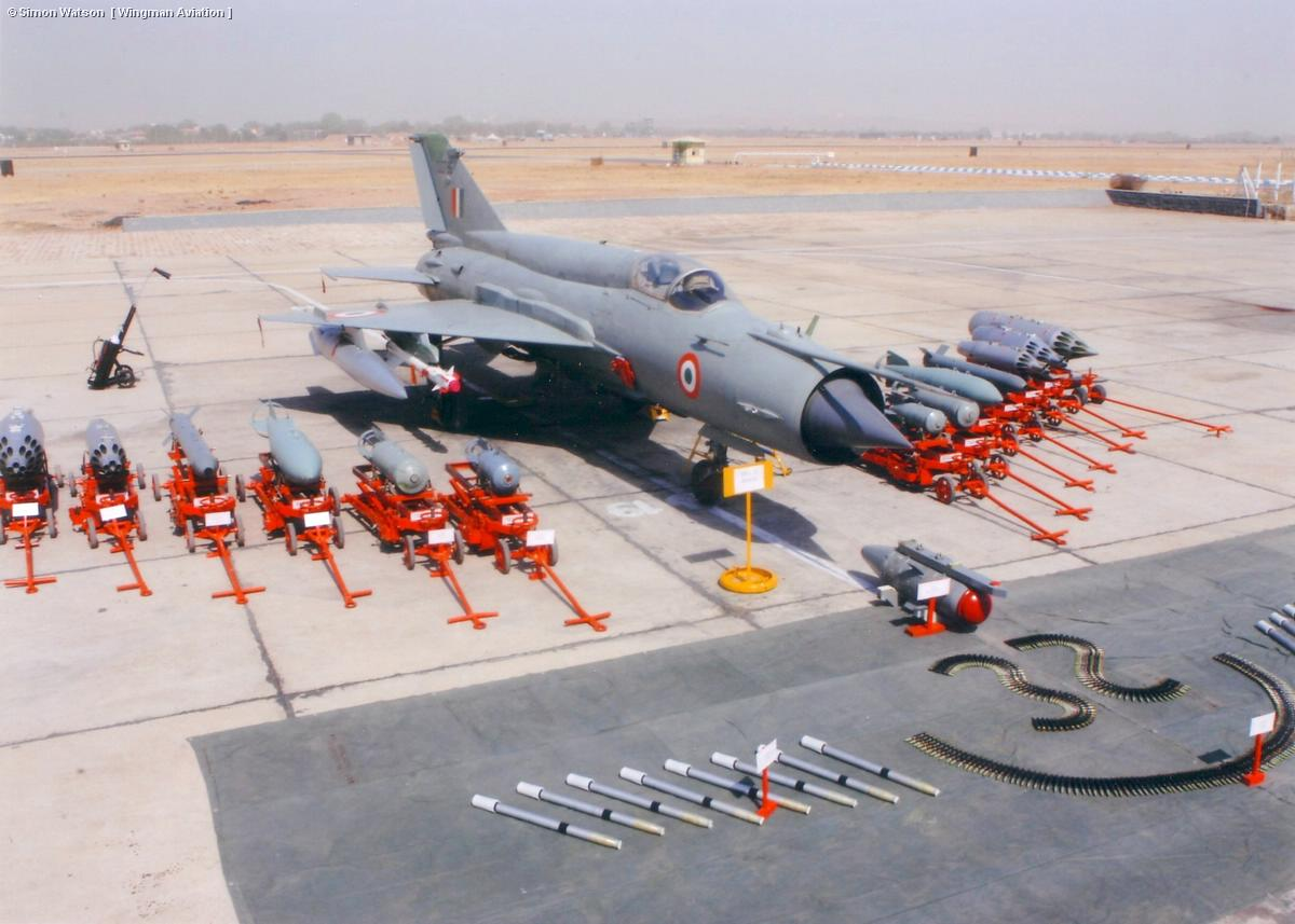 러시아제 군용기의 운용에 애쓰는 인도 공군