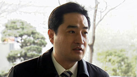 강용석 의원, 개그맨 최효종 씨 형사 고소