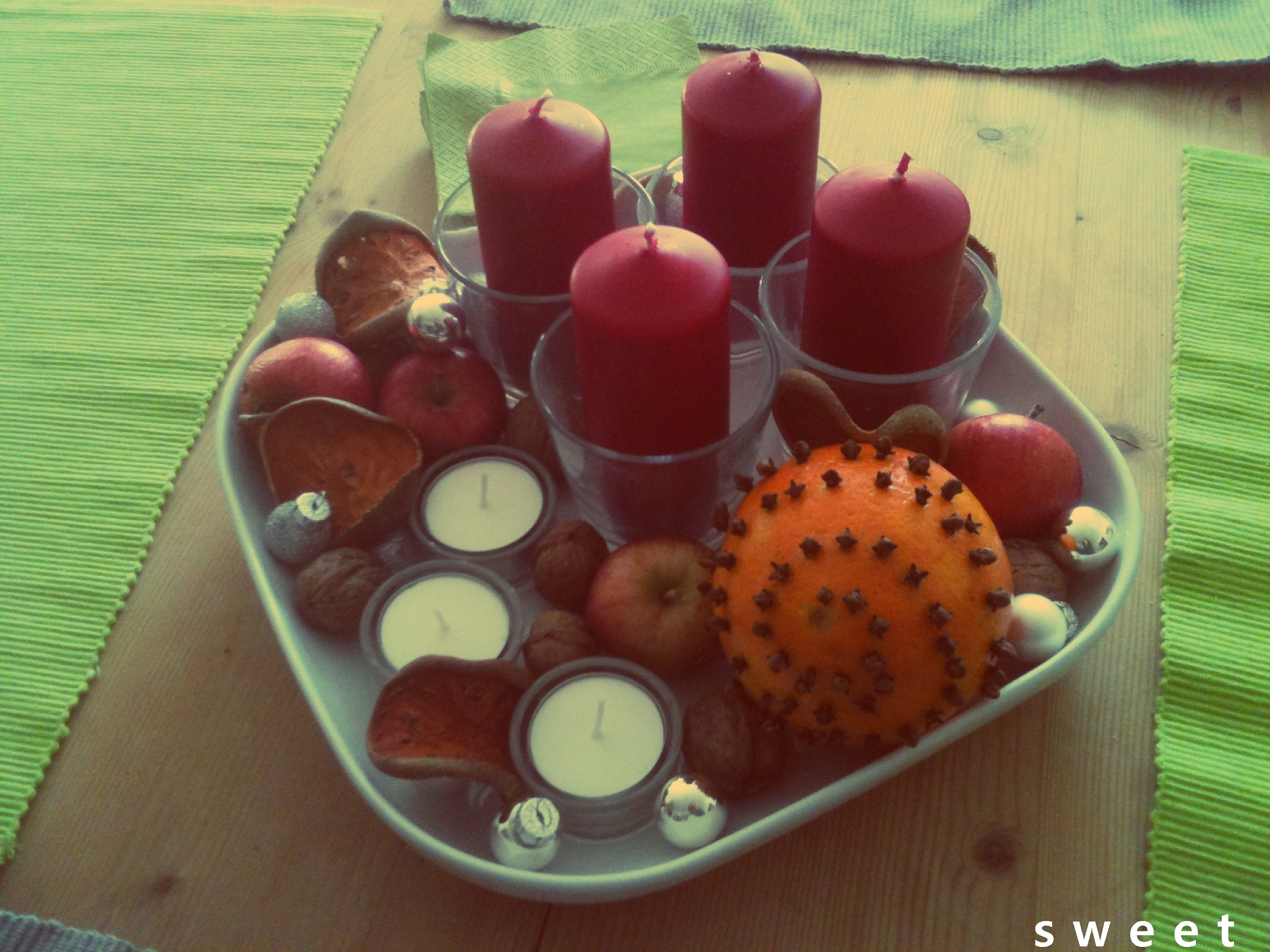 ADVENT WREATH .