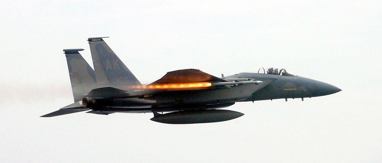 AMRAAM과 HARM 미사일을 대체하려는 미 공군