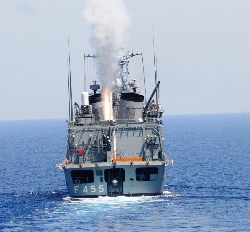 일본 RIM-162 ESSM 면허생산 계약체결.
