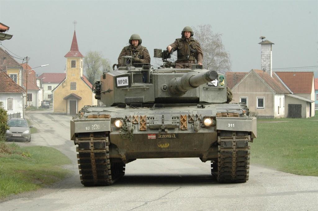 레오파르트 2 전차 대수를 절반으로 줄이는 오스트리아