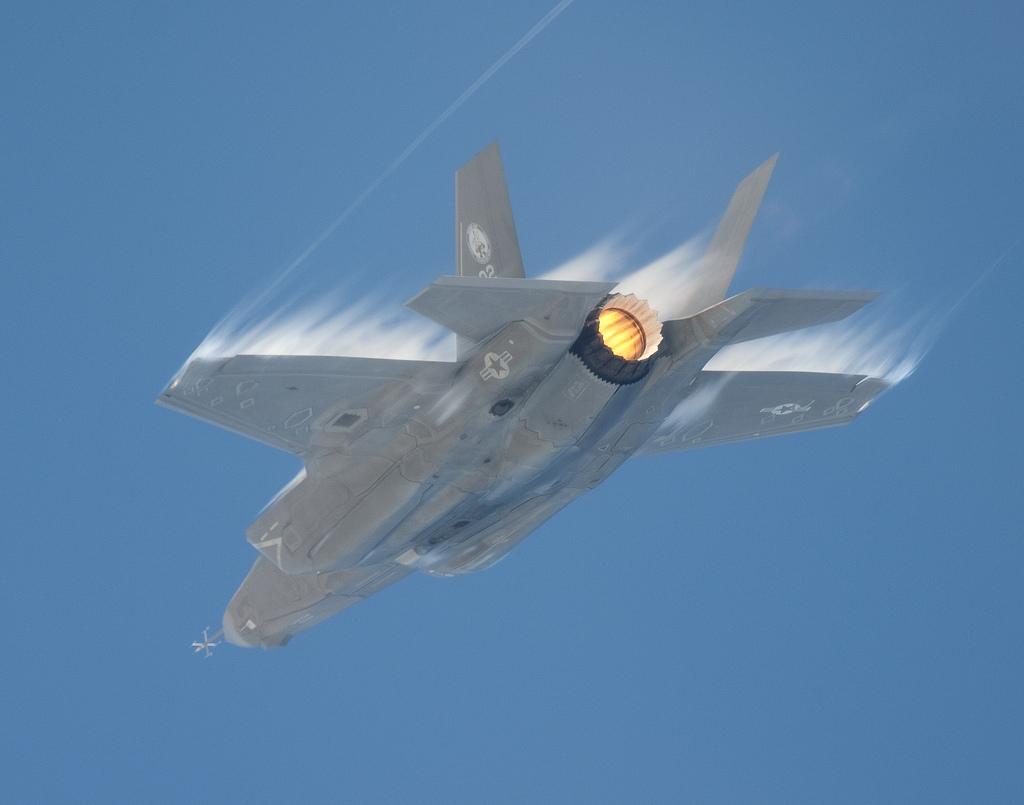 일본에 대당 2억3천만 달러로 F-35를 판매하려는 미국