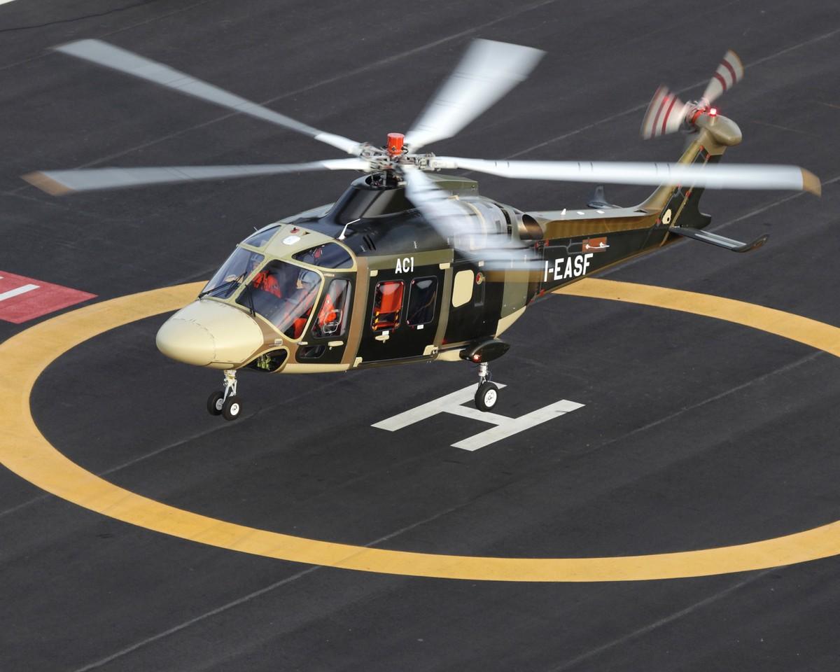 초도비행을 실시한 어거스타웨스트랜드 AW169 헬기
