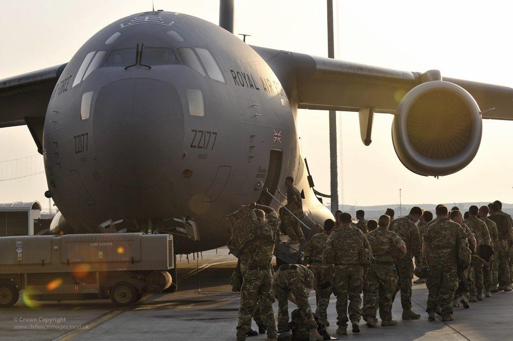 8번째 C-17 수송기를 인도받은 영국 공군