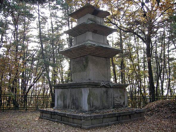 경주 남산의 석탑 (서쪽 편)