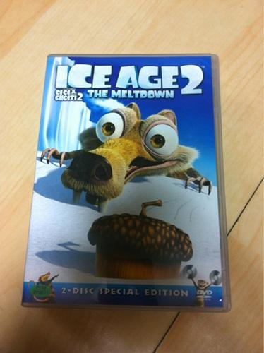 아이스 에이지 2 DVD를 질렀습니다.