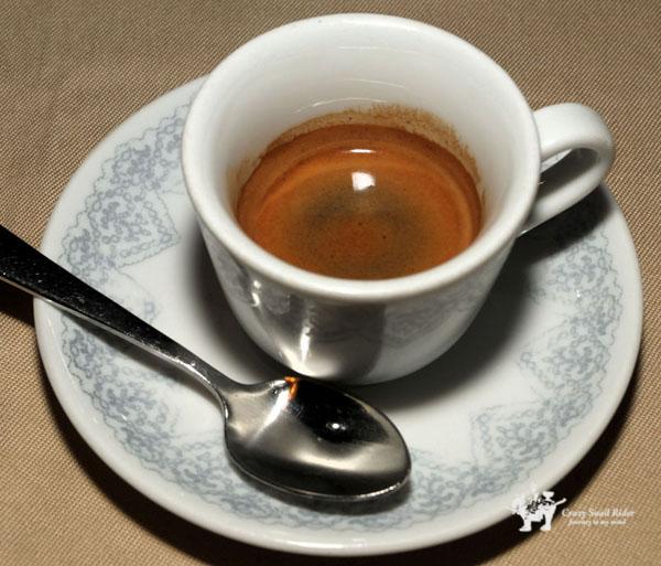 인스턴트 커피도 크레마가 뜬다