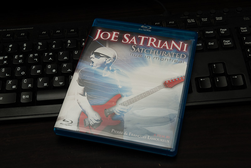 Satchurated - Joe Satriani / 2012