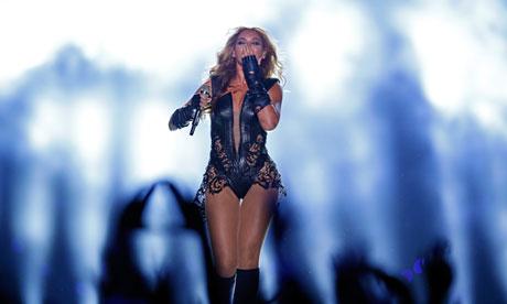 Beyonce의 2013 Superbowl Halftime Show 의상..