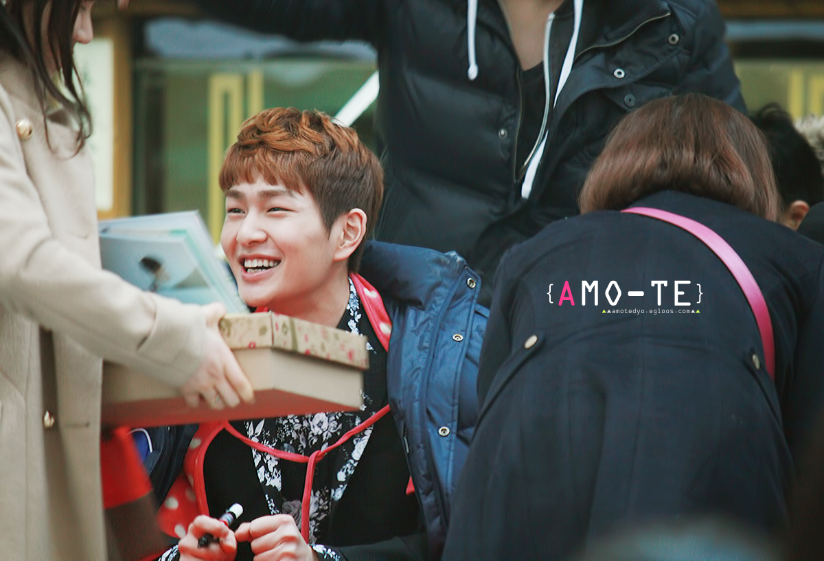 "130304 SHINee Busan fansign event ""onew"""
