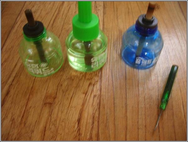 전자모기향(액체형) 교체액 나눠담기