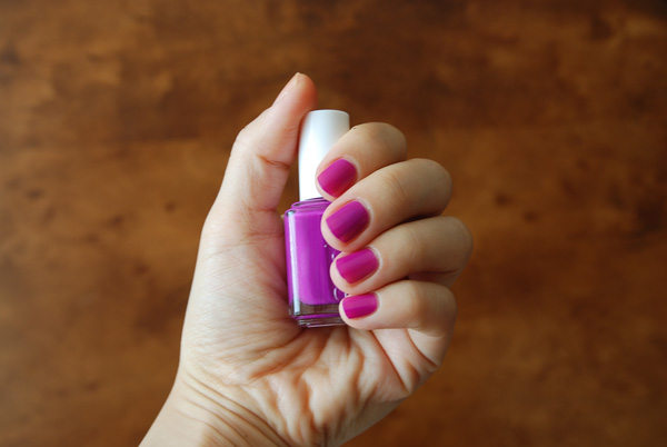ESSIE - 3011 DJ Play That Song