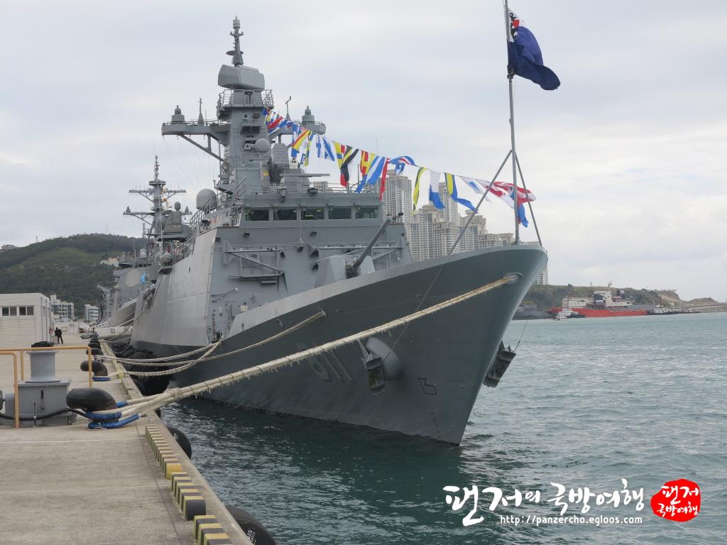 차기호위함 초도함인 인천급 인천함(FFG-811)