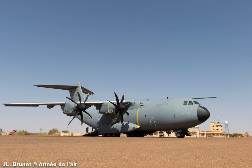 처음으로 실전 비행을 실시한 A400M 수송기
