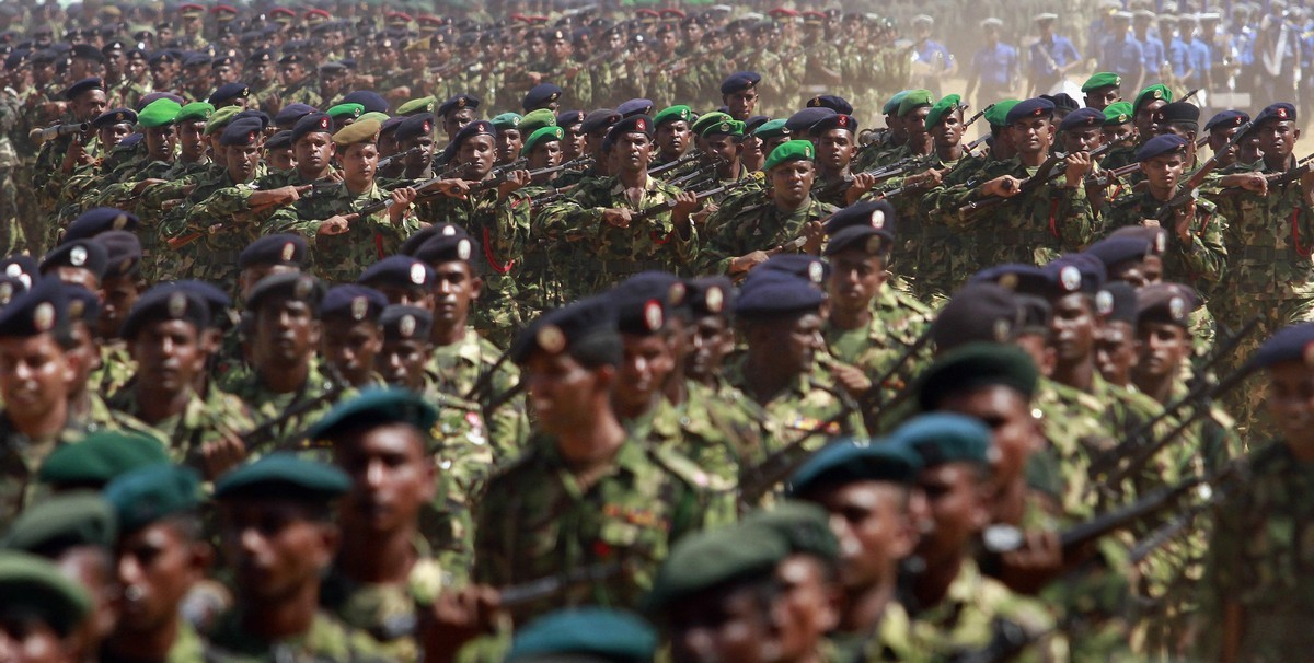3만명의 탈영병을 수색 중인 스리랑카군 外