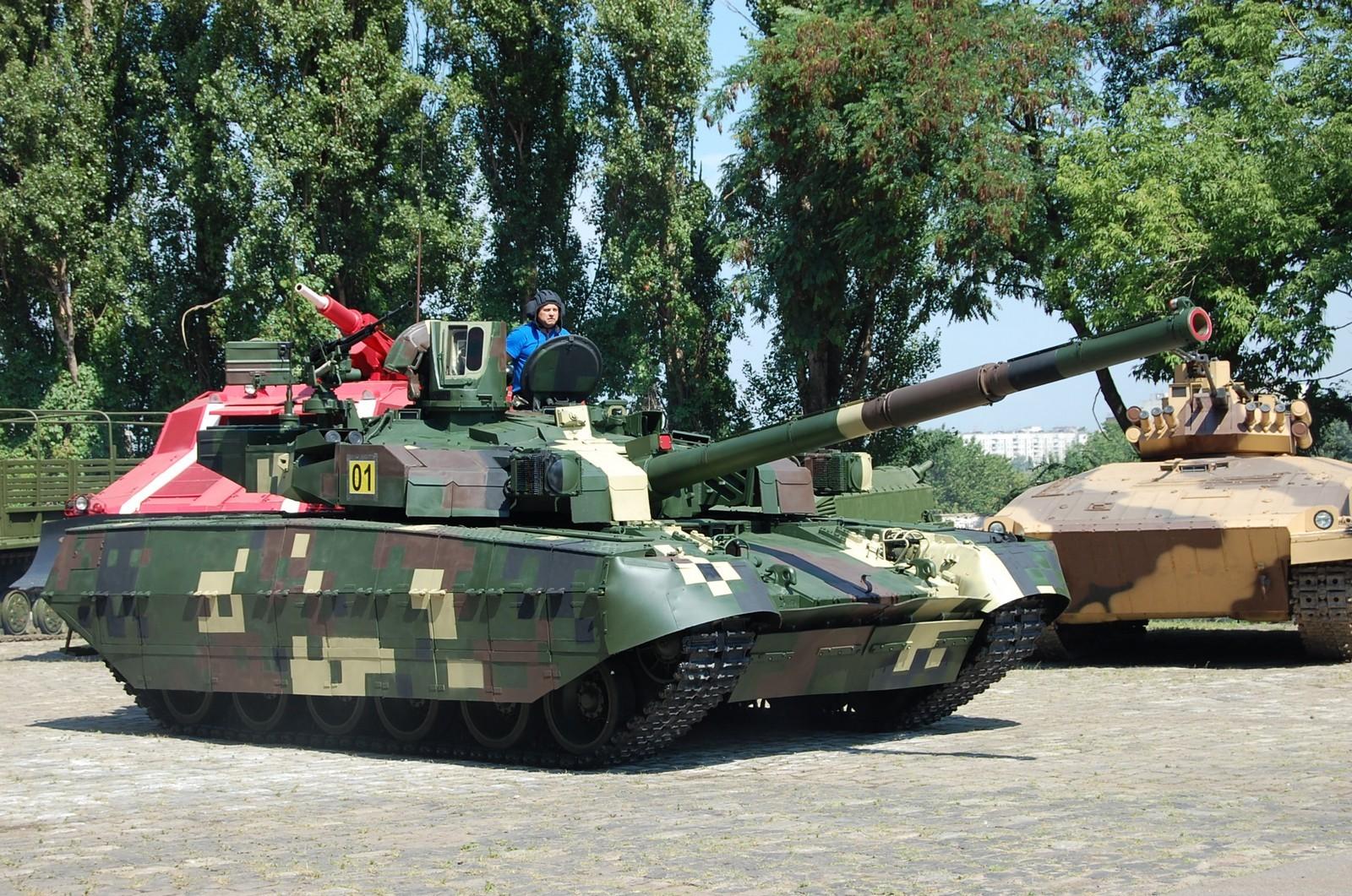 태국에 오플롯-M 전차를 인도한 우크라이나 外