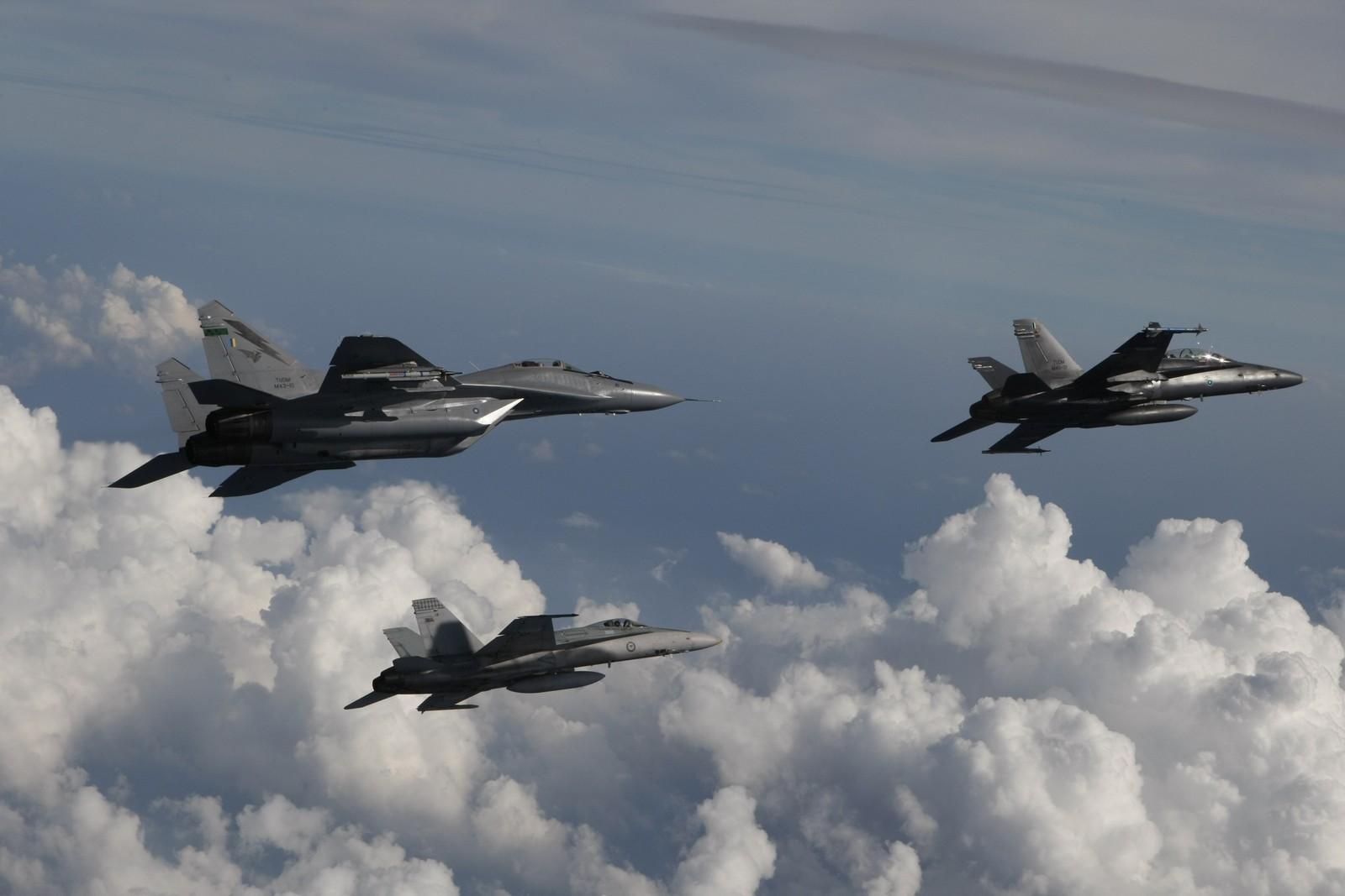 전투기 구매 대신 임대로 돌아서는 말레이시아