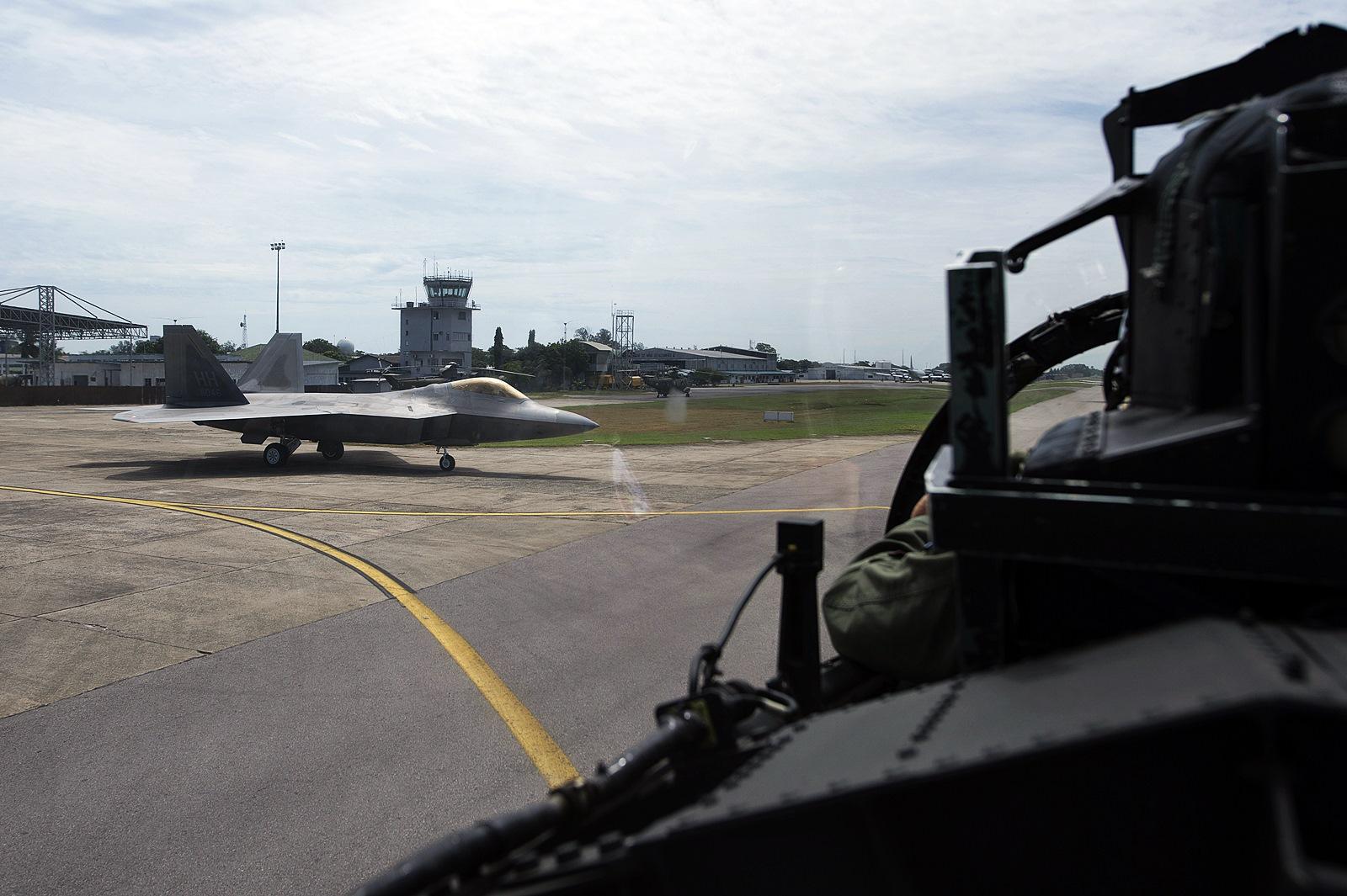 F-22가 처음으로 말레이에 전개한 Cope Taufan 14..