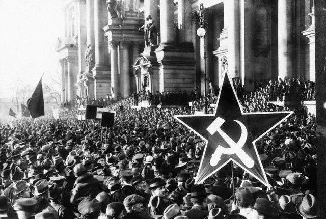 20년대말 독일 공산당의 폭력활동...