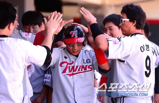 [관전평] 9월 10일 LG:KIA - '박경수 5타점' LG ..