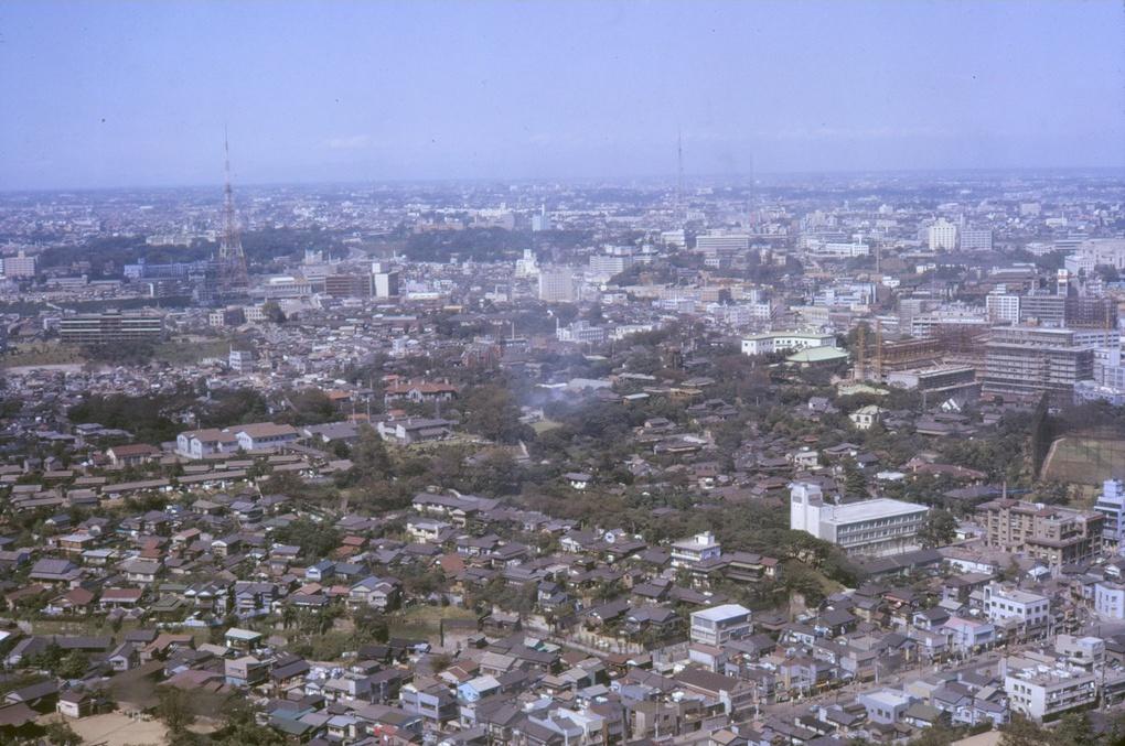 타워에서 바라본 1961년과 75년도의 東京