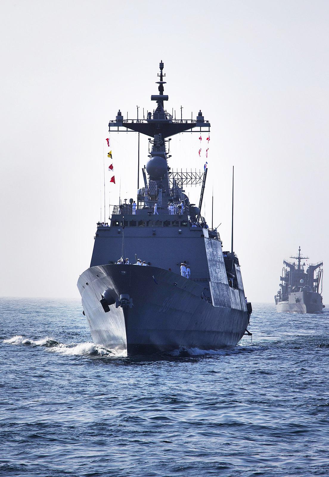 호주 시드니항에 도착한 2014 해군순항훈련전단