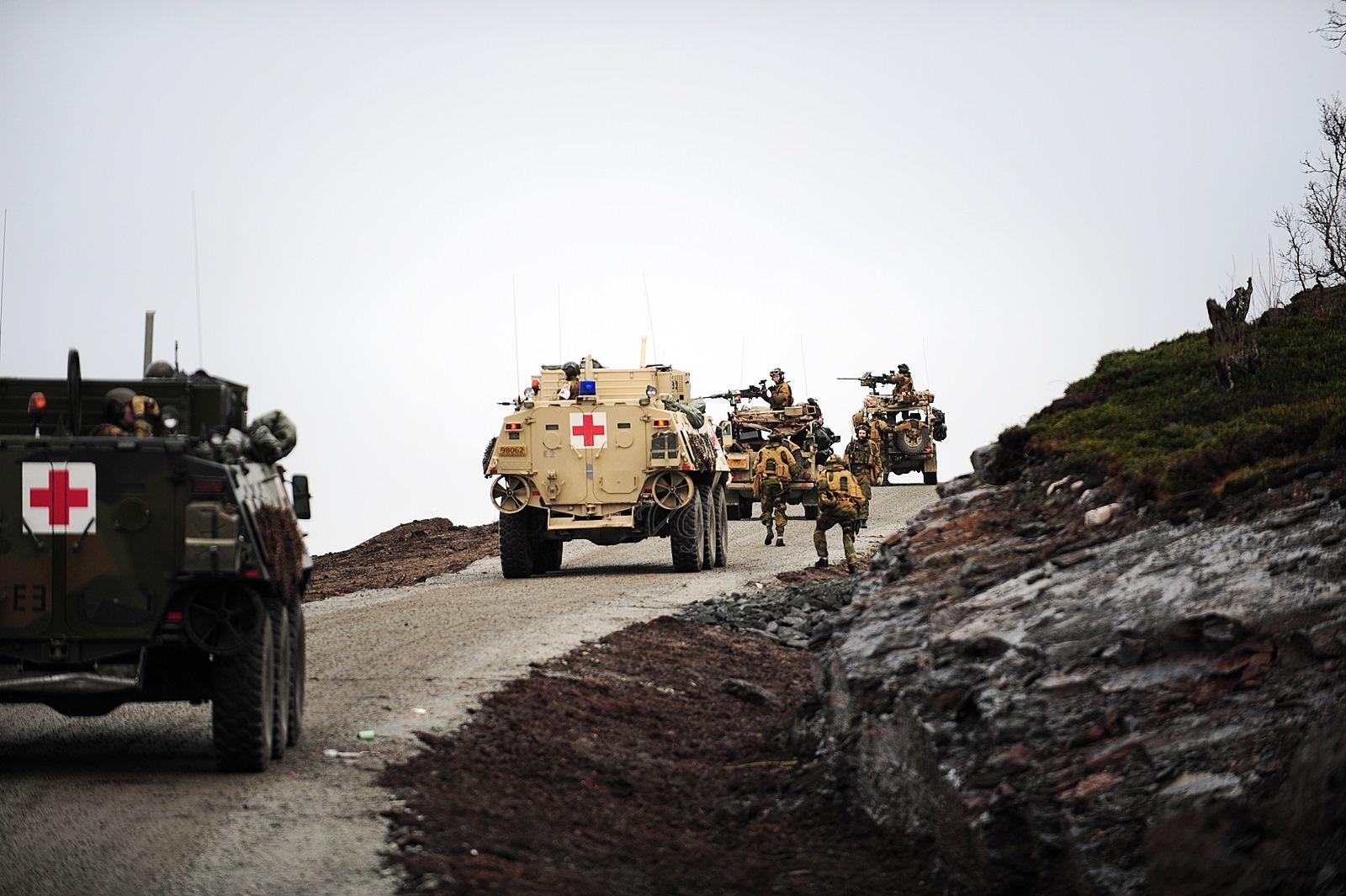 아프칸 파병 훈련 실시중인 노르웨이군 장갑차