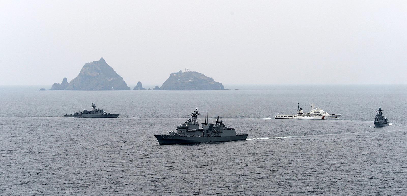 해군 독도방어 전술기동 훈련