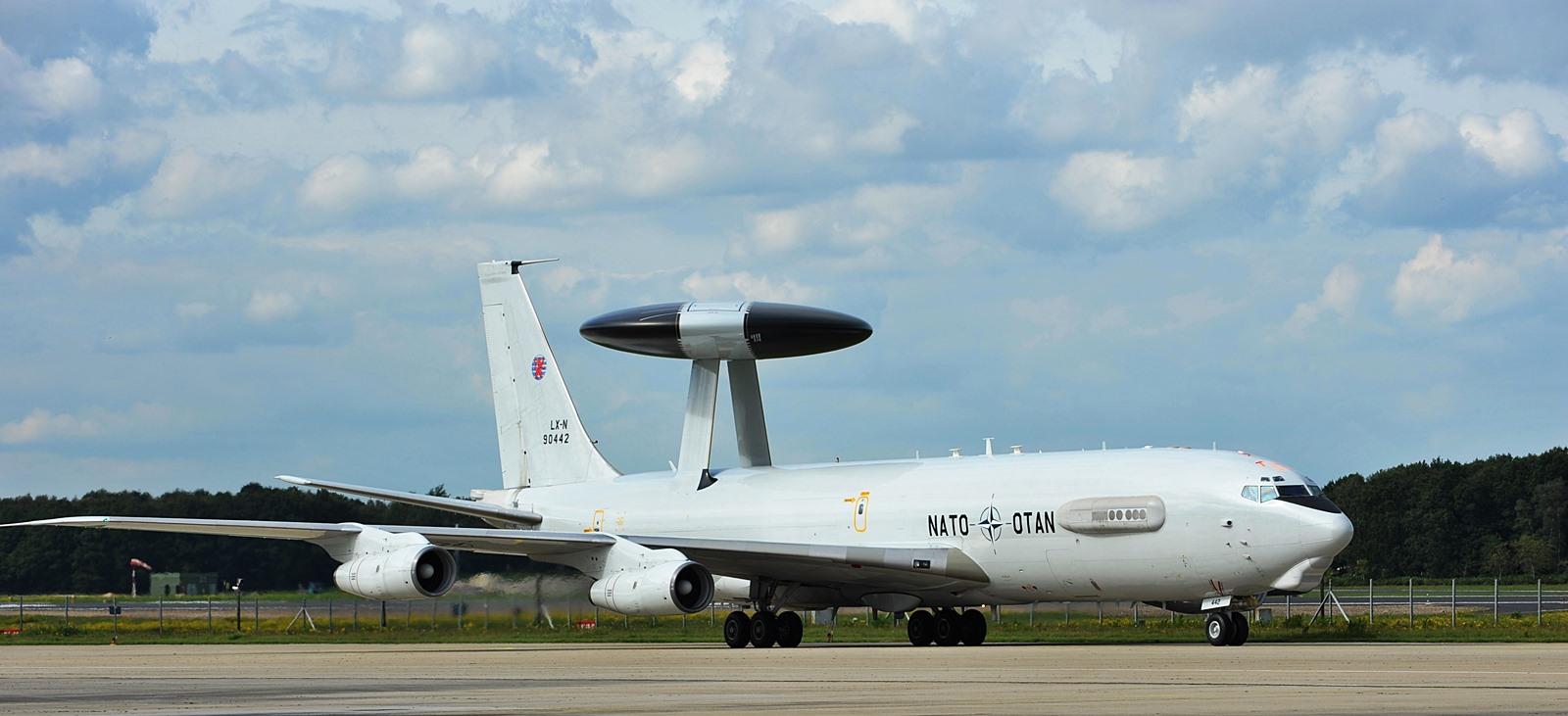 아프칸에서 복귀한 NATO소속 E-3A 조기경보기
