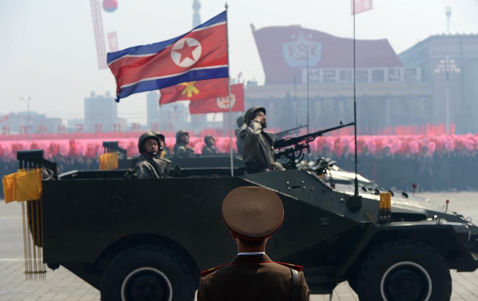 이게 아직도 운영되고 있나? 북한 BTR-40