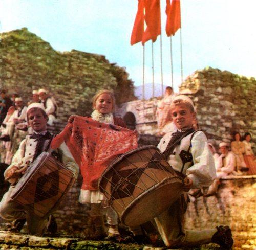 한 때 굉장히 폐쇄적인 나라였던 알바니아