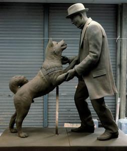 일본에서 유명한 충견 하치공의 새로운 동상 완성될 예정