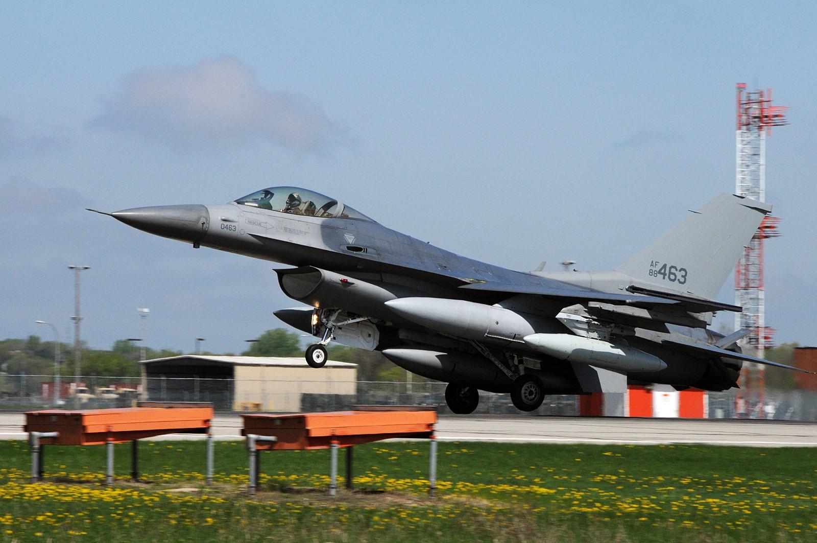 미 South Dakota 주방위공군 F-16CM 군산 전개