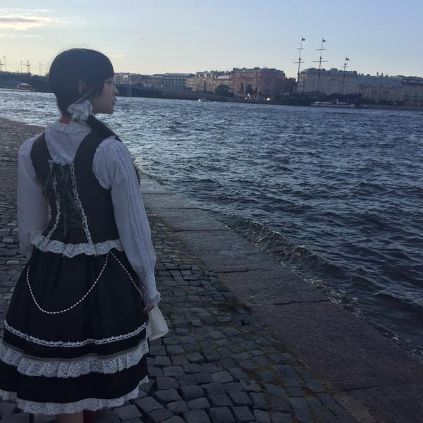 성우 우에사카 스미레의 사진, 모델 마스자와 리리코..