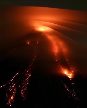 환태평양 고리에서 활발한 화산활동