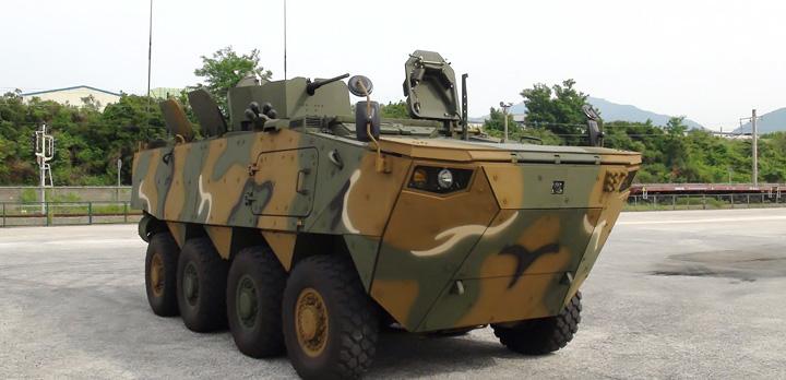 로템 차륜형장갑차와 북한 차륜형 장갑차
