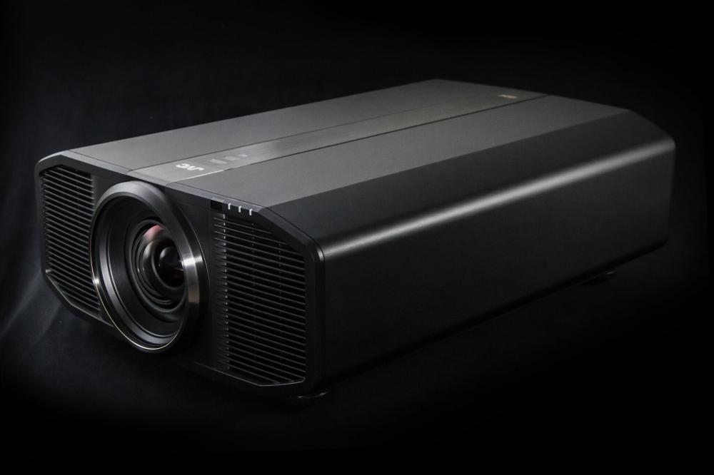 JVC 네이티브 4K 레이저 프로젝터 DLA-Z1 공개