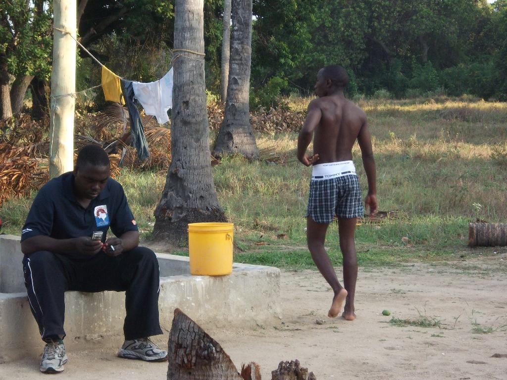 [탄자니아] 훈련 중 휴식