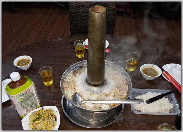 가오슝에서의 저녁 식사는 동북식 훠궈 東北式 火鍋