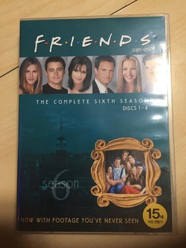 """""""프렌즈"""" 시즌 6 DVD를 샀습니다."""